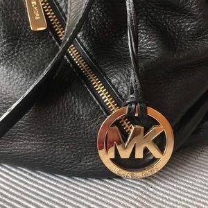 Handbags - Michael Kors black purse 👜